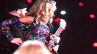 Taylor Swift singing Babe live with sugarland in Arlington Texas 10/6/18 reputation full Video