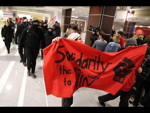 Tirando caca y protestando contra Ben Shapiro en la Universidad de Ohio