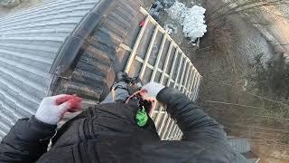 Montaż gąsiorów. Jak układać dachówkę. Jak wybudować dom. Zrób to sam.
