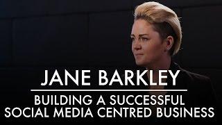 جين باركلي | بناء وسائل الاعلام الاجتماعية الناجحة تركز الأعمال | AQ مدونة & Grill