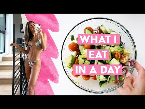 What I Eat In A Day // Trying New Things & Cooking For Two // Sami Clarke