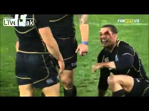 Headbutt draws blood during Rugby Celebration [HD] (Australia vs Scotland)