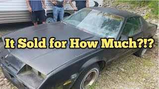 found-collectible-camaro-they-bought-an-abandoned-storage-unit-locker-opening-mystery-boxes