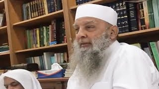 مدة ما يقضيه الشيخ الحويني يوميًا على الكتب رغم متاعبه الصحية