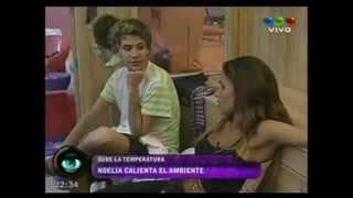 Repeat youtube video NOELIA RIOS HOT TIFOSA DI MARADONA E DEL NAPOLI.flv