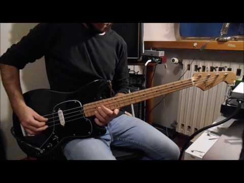 Squier Bronco Bass Demo