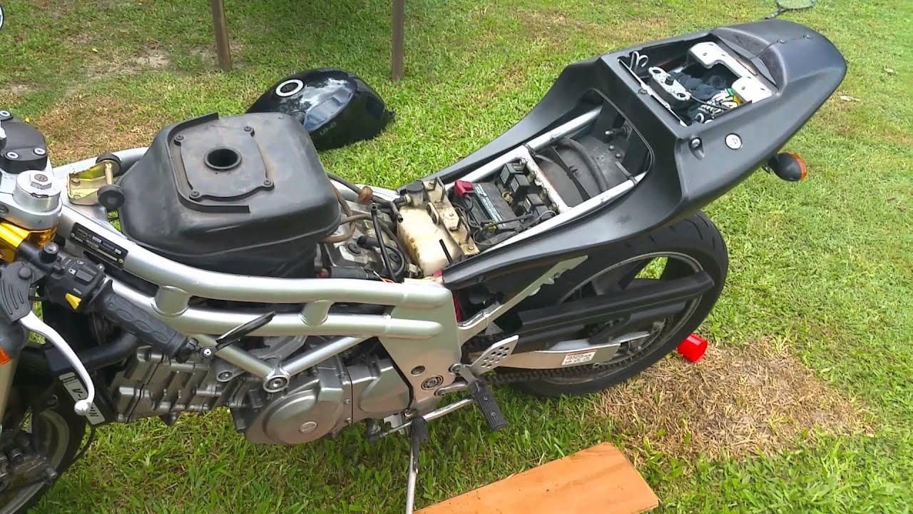 Hyosung Gt650 Nude - Fixing A Petrol  Fuel Leak