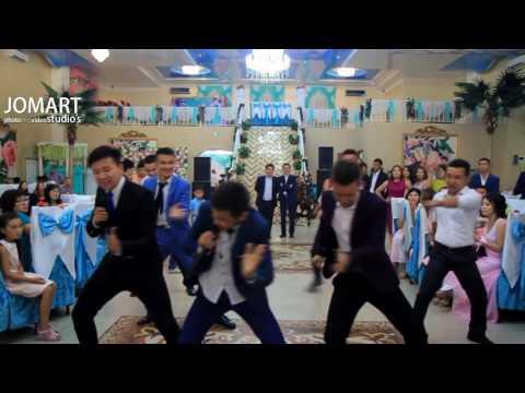 Видео: Флешмоб на свадьбе. Самый лучший Флешмоб в Сатпаев Жезказган Караганда Айбатыр уаныш ABOSHKUKA