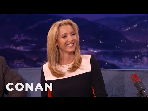 "Lisa Kudrow Is Ready For The ""Friends"" Musical"