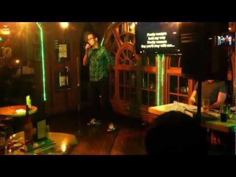 "Matt Heafy (TRIVIUM) singing ""Pretty Woman"" karaoke"