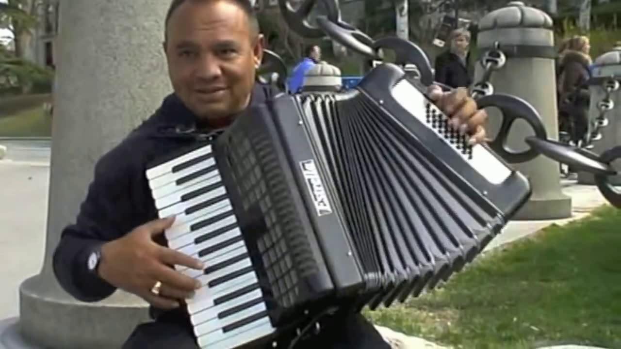 Весеннее танго,  сл  В  Шентала, муз  и исп  Вл  Блинов
