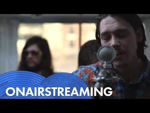 Jonathan Tyler & The Northern Lights - She Wears A Smile | Live at OnAirstreaming