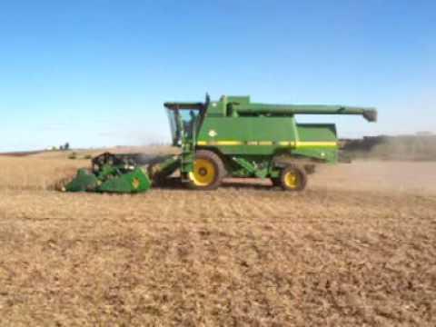 Corn Harvesting with a John Deere 9500 Combine in Saline, Michigan .