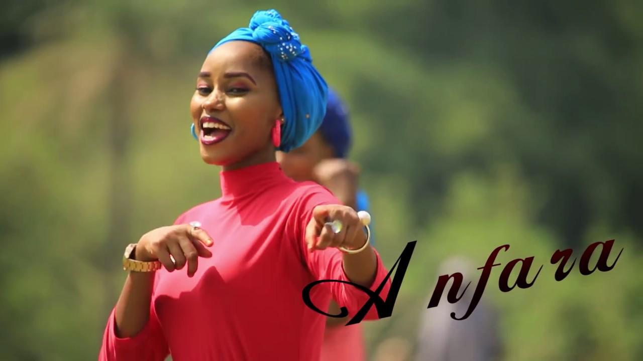 Download Kecee Afarkon Farko video  misbahu aka anfara tare bilkisu shema