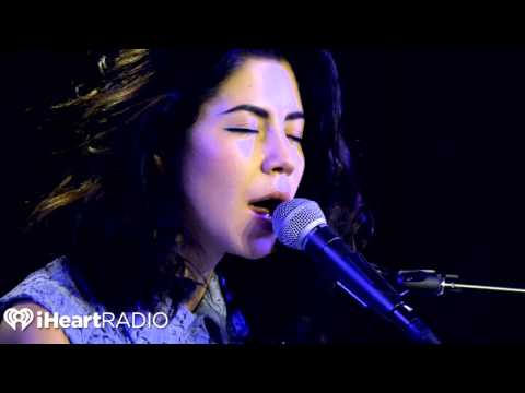 Marina and the Diamonds - Happy (Live in Studio)