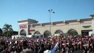 USC  EN  EL  DESFILE  DE  LAS  ROSAS  2009