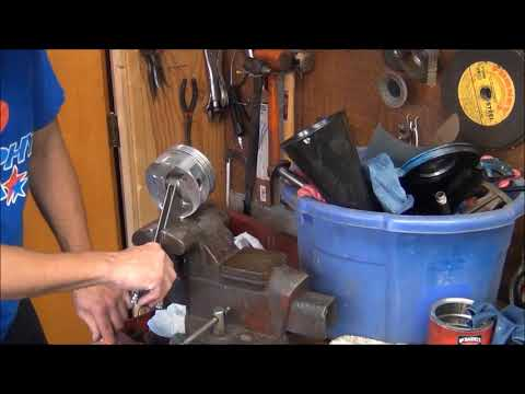 460 rebuild part 2 Cleaning the pistons .