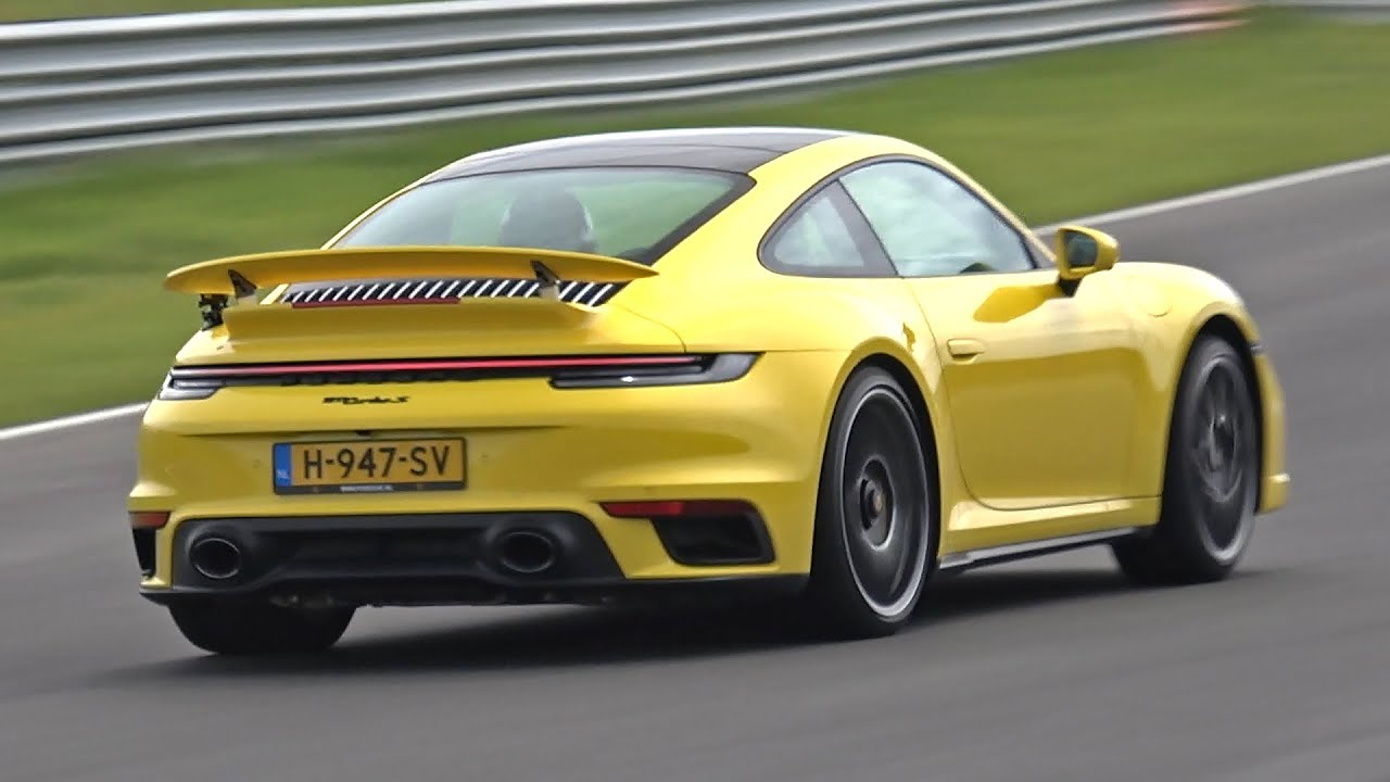 Porsche 992 Turbo S - Accelerations on track!
