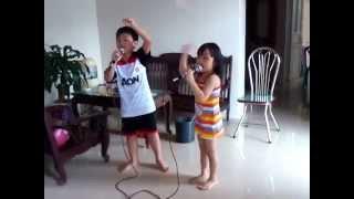 Không cảm xúc - 2 bé hát như ca sĩ :v
