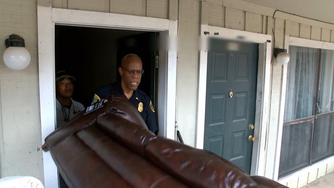 Hpd Bi Rite Furniture Help Flooding Victim Houston Police Department You