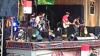 Iwan Fals -Tince Sukarti (Konser Situs Budaya NTB)