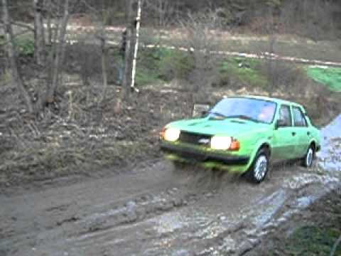 Skok s autem do vody, druhý pokus!