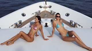 Video Kourtney Kardashian Sparkles in Matching Thong Bikini With Kendall Jenner Cozies Up to New Man download MP3, 3GP, MP4, WEBM, AVI, FLV Juni 2018