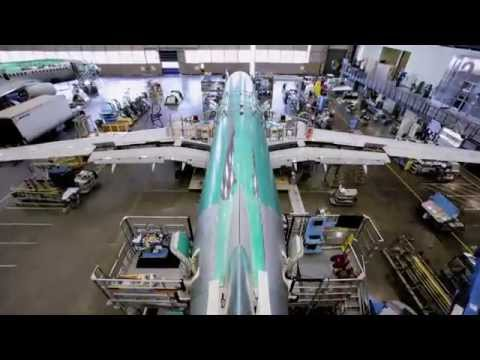 Building A Boeing 737-800 Aircraft
