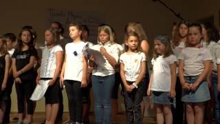 Repeat youtube video Χορωδία 2ου Δημοτικού Σχολείου Μύρινας -
