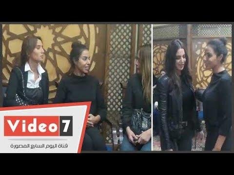 زينة ودرة وشاهين وعبد العزيز يشاركون فى عزاء والد الفنانة نسرين أمين  - نشر قبل 1 ساعة