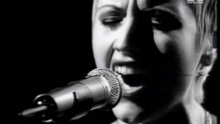 Cranberries - Zombie - Live 1995 MTV Most Wanted Europe Studio