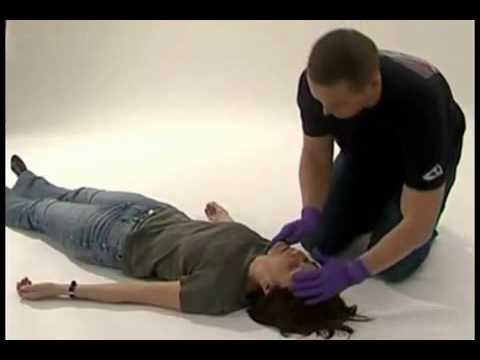 Штучний масаж серця одним реаніматором