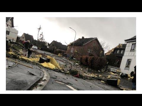 Tornado verwoest huizen in Aken!