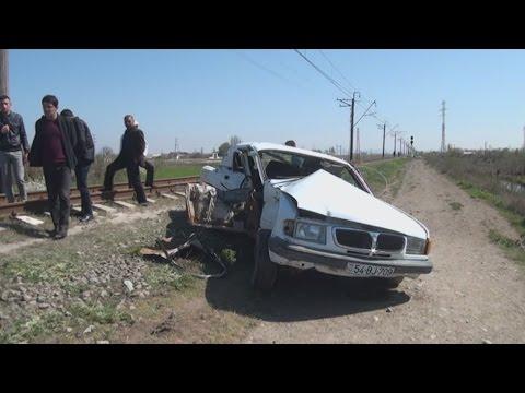 Sabirabadda qatar avtomobili vurdu