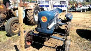 Vintage Tractors at Redcliffs Vic