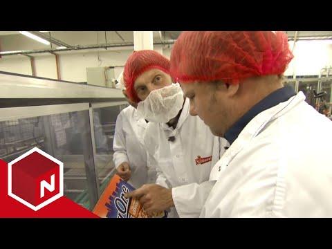 Morgan og Ola-Conny besøker Grandiosa-fabrikken