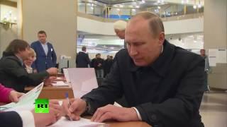 За кого голосовал Путин? Президент РФ Владимир Путин пришёл на выборы в Госдуму в Москве, уч. №2151