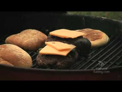 Video Recipe: Bacon Cheddar Cheeseburger