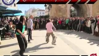 هذا هو الشعب التونسي ...جو و رقص في الطريق العام