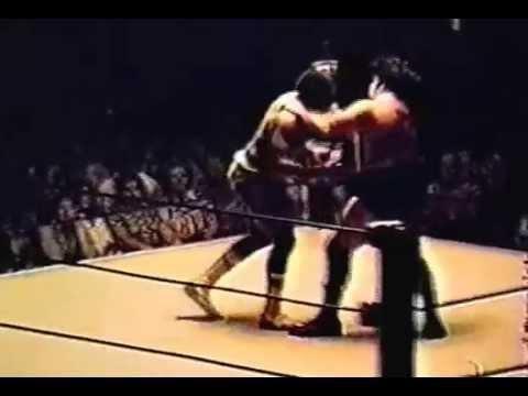 Scandor Akbar vs Skip Young 1977