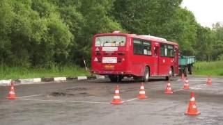Параллельная парковка автобуса Daewoo BS106 категории