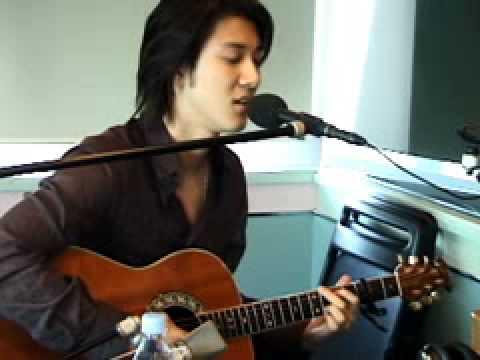 Leehom singing Last NIght~Live on Japanese Radio