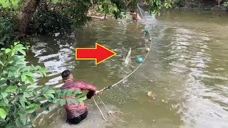 Unbelievable Pro Fisherman vs. River Monsters Giant Gourami