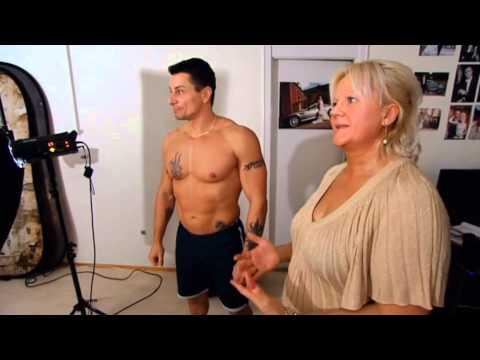 Mig Og Min Mor tager erotiske billeder 2, Mor Jette og Jessica