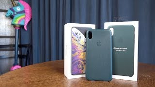 Official iPhone Xs Max Leather Case in Forest Green