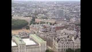 بوعلوة في جولة حول مدينة لندن عام 2009