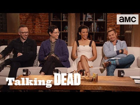 'How People Manage to Have Trendy Haircuts in the Apocalypse'  Questions Ep. 818  Talking Dead