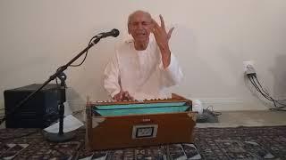 Az zere chodaret negah -Ahmad Zahir performed by Wali Raoufi