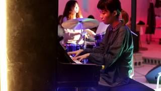 """Electric Planet Five - Theme  """"Eternal Sunshine O.S.T (Jon Brion)"""