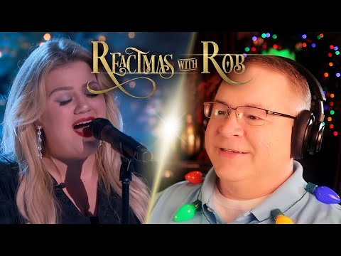 "Kelly Clarkson And Lea Michele Reaction | ""White Christmas"" 